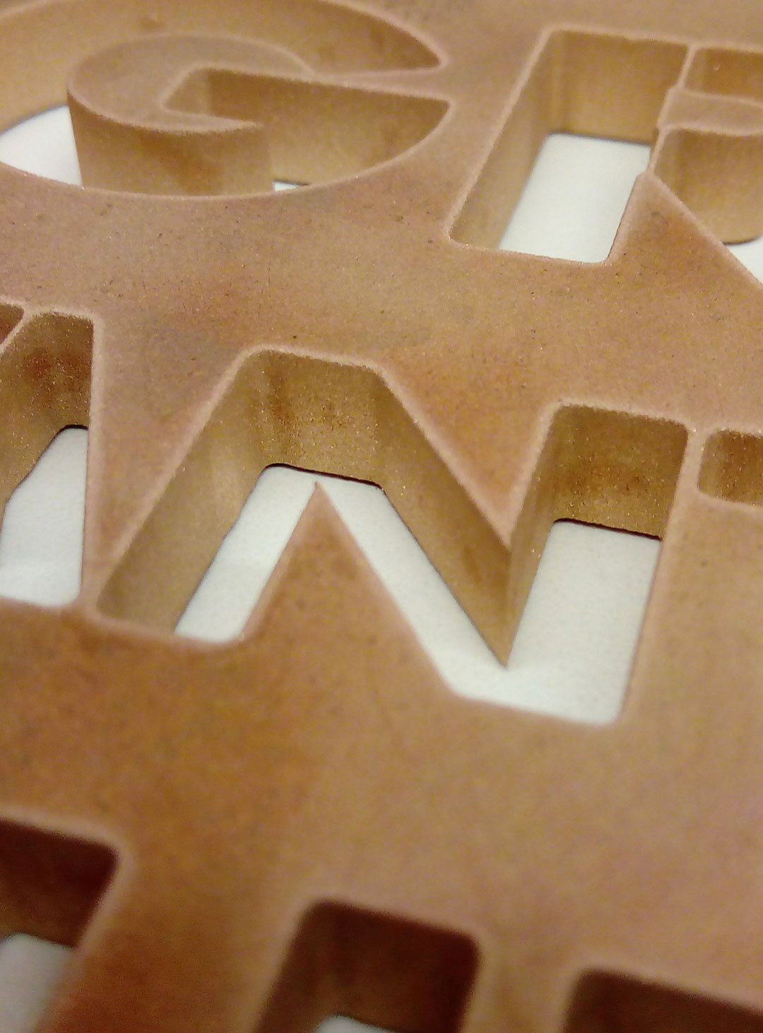Grabtafel aus 10 mm Bronze