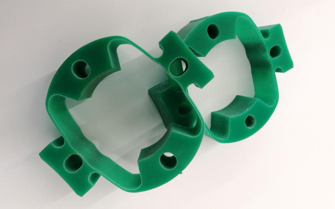 Grüne Konstruktionsteile aus Polyethylen